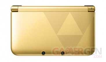 Nintendo-3DS-XL_collector-the-legend-of-zelda-a-link-between-worlds-4