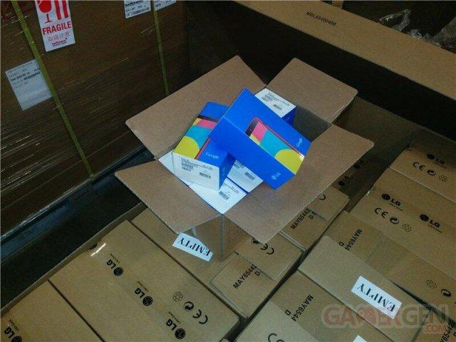 nexus-5-rouge-package-boite- (1)