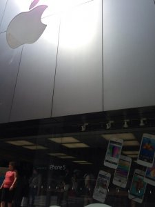 xxxprius-attente-apple-store-ginza- (2)