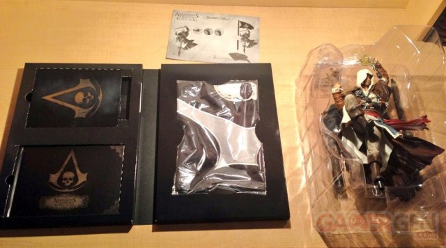 assassin-creed-iv-aciv-black-flag-limited-edition-collector-ps4-unboxing-deballage-playstation-4-2013-11-12-21