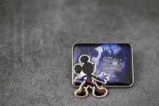 Castle of Illusion Starring Mickey Mouse concours Pin's .JPG (1)