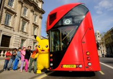 Pikachu kids & bus 3