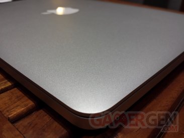 UNBOXING_Macbook_Pro_retina_7
