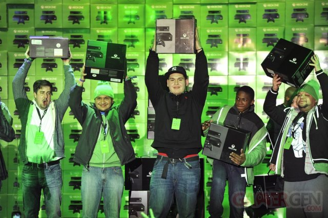 Xbox One Launch_First Consoles